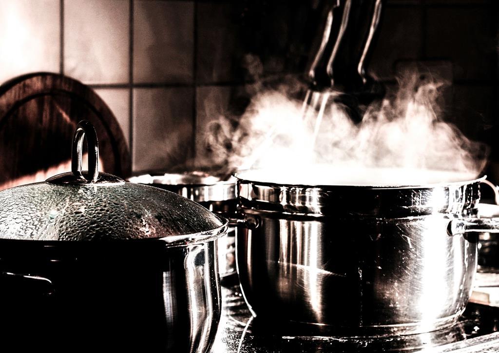 cozinhas os alimentos no vapor ajuda a preservar grande parte dos nutrientes