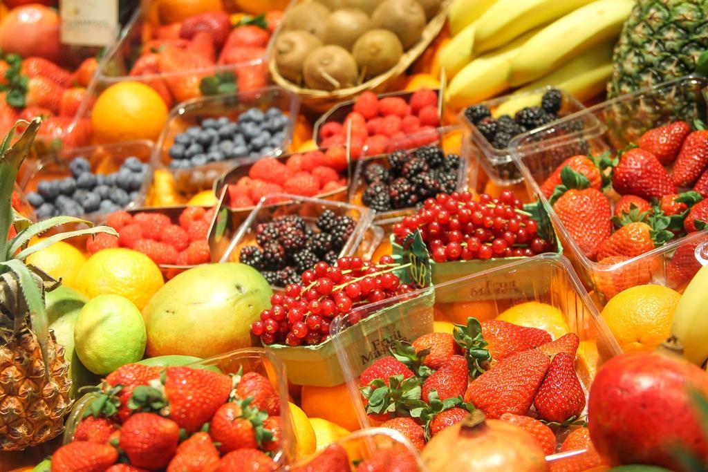 é importante manter uma alimentação saudável para que a saúde capilar esteja em dia
