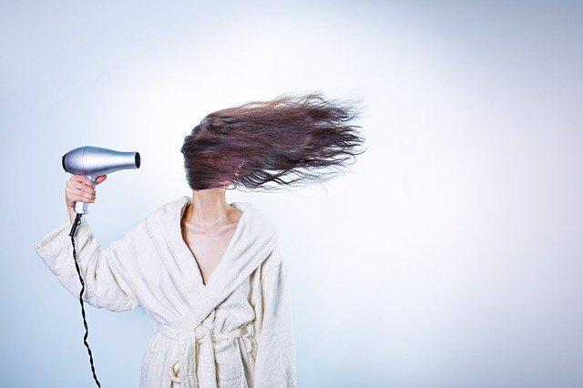 A biotina te ajuda a ter um cabelo mais bonito, saudável e forte