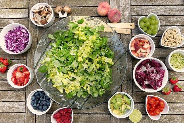 Mantenha uma alimentação saudável e equilibrada