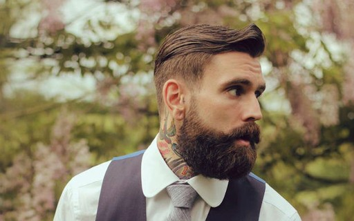 homem com barba hipster